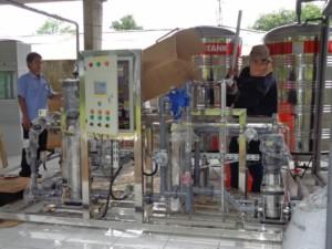 pabrik air isi ulang