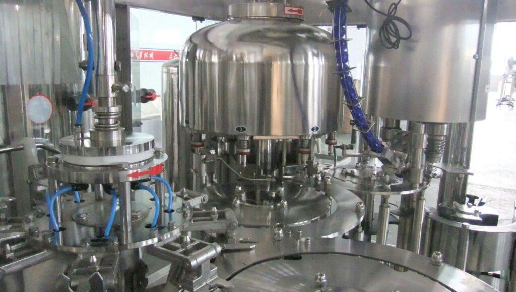 Pabrik air minum dalam kemasan AMDK